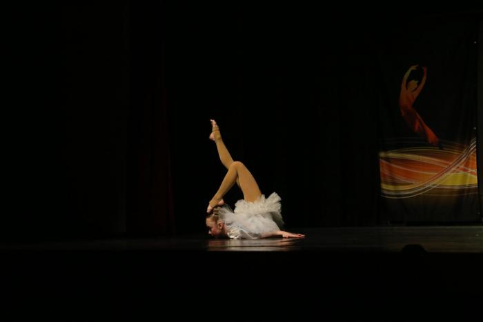 Alyssa P - Music Box Dancer Chestand Toe Touching Head